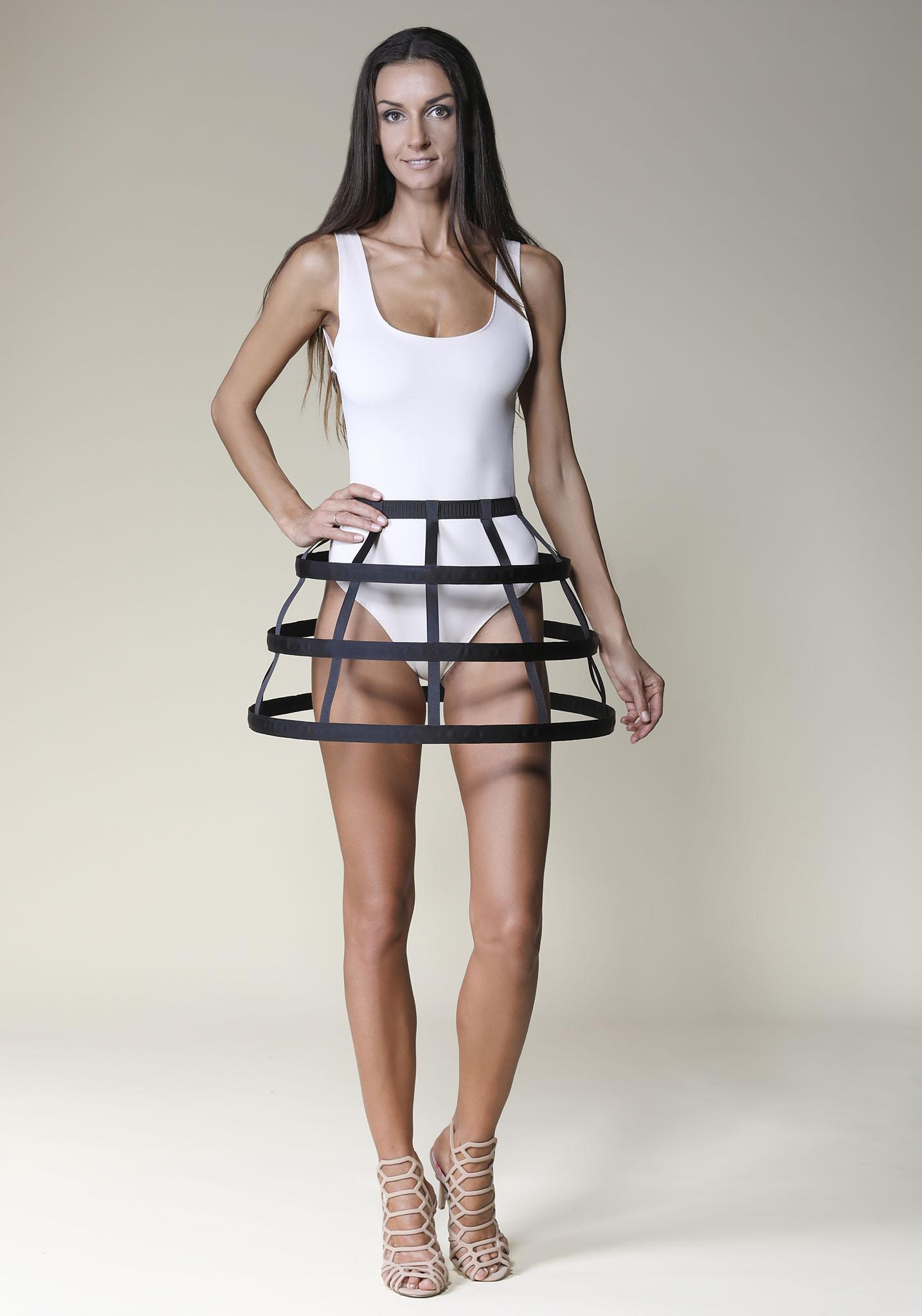 d3accdb46466 Basic Short Black Cage Skirt - Offeradi